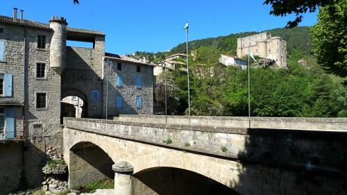 Le pont des récollets + château.JPG